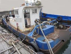 タップで拡大「交通兼作業船H3年幅3.2m/240ps4年前にOH済み」