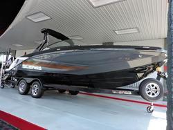 中古ボート・漁船・ジェットボート2017新艇 SCARAB 255HOインパルス